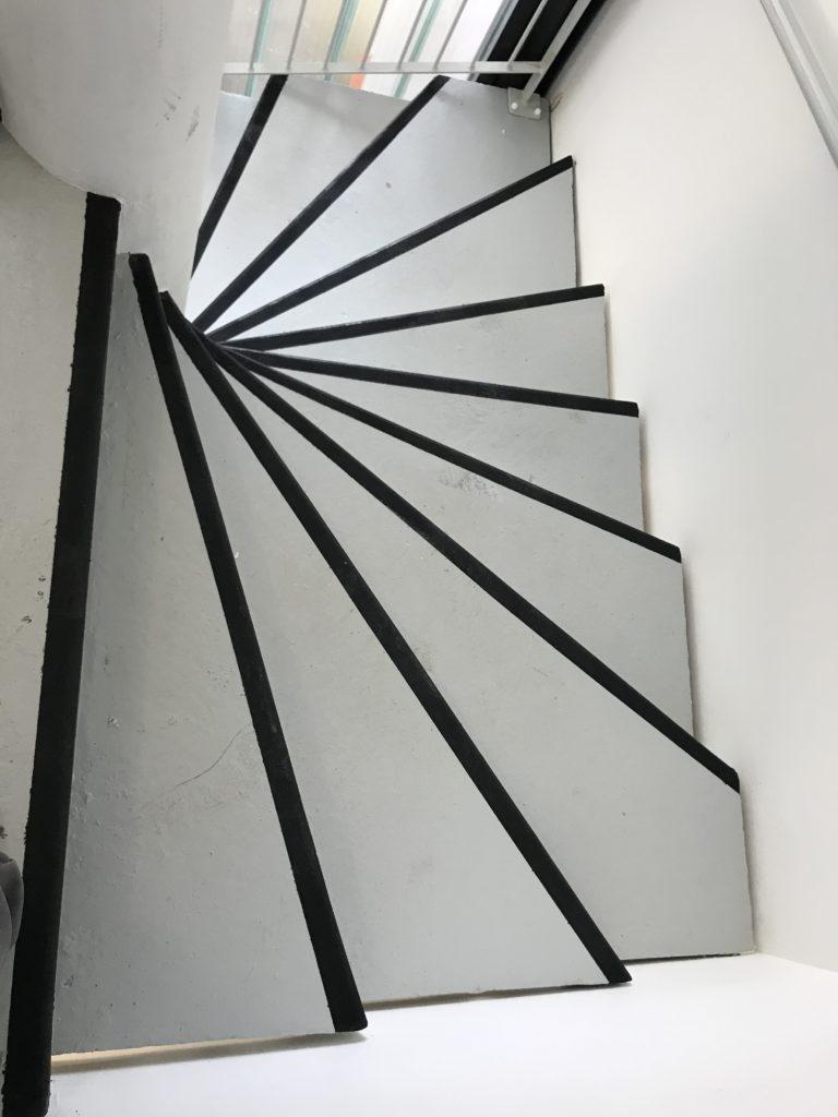 6Montée d'escalier
